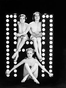 Three Young Women Posing with the Letter H by Everett Collection