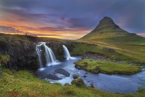 Kirkjufell by Everlook Photography