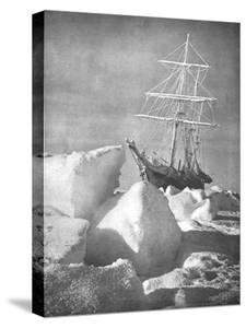 """Explorer Ernest Shackleton's Ship """"Endurance"""" Trapped and Slowly Crushed by Ice in Weddell Sea"""