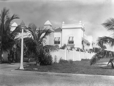 Exterior of Al Capone's Home--Photographic Print