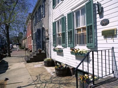 https://imgc.artprintimages.com/img/print/exterior-of-houses-on-a-typical-street-annapolis-maryland-usa_u-l-p1tn6x0.jpg?p=0