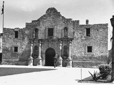 Exterior of the Alamo-Carl Mydans-Photographic Print