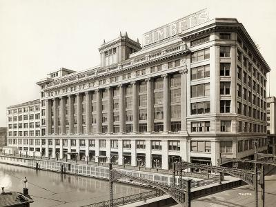 Exterior View of Gimbels Department Store--Photographic Print