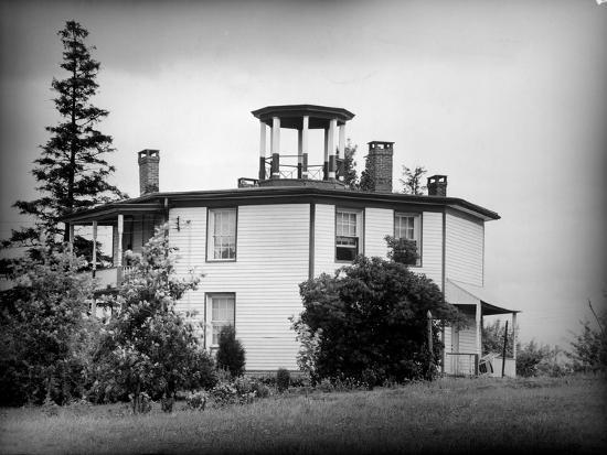 Exterior View of Octagonal House in the Hudson River Valley--Photographic Print