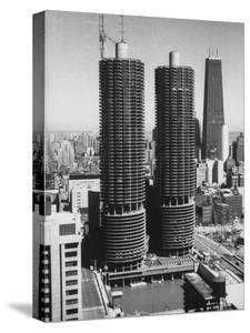 Exterior View of the Marina Towers Overlooking Chicago River