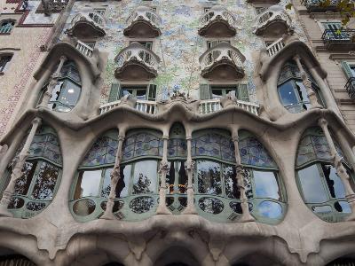 Facade of Casa Batllo by Gaudi, UNESCO World Heritage Site, Passeig de Gracia, Barcelona, Spain-Nico Tondini-Photographic Print