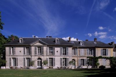Facade of Chateau De Vilmorin, Verrieres-Le-Buisson, Ile-De-France, France, 17th-19th Century--Giclee Print