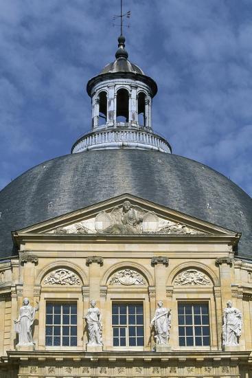 Facade of Chateau of Vaux-Le-Vicomte, 1656-1661-Louis Le Vau-Giclee Print