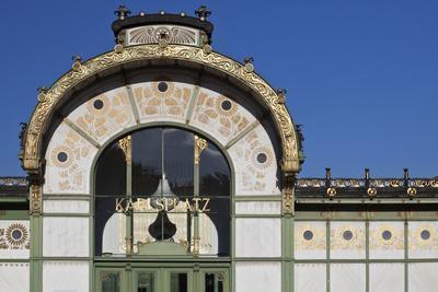 https://imgc.artprintimages.com/img/print/facade-of-the-karlsplatz-pavilion-metropolitan-railway-station-of-1898-vienna-austria_u-l-q12rl2i0.jpg?p=0