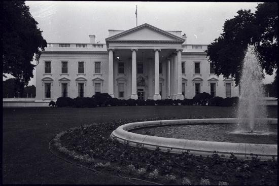 Facade of the White House--Photographic Print