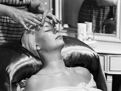 Face Massage-Chaloner Woods-Photographic Print