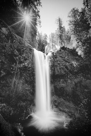 https://imgc.artprintimages.com/img/print/falls-creek-falls-in-black-and-white-washington-columbia-river-gorge_u-l-q10dh2q0.jpg?p=0