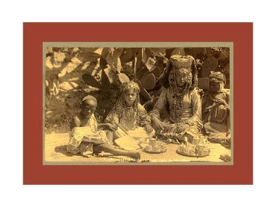 Family of a Woman Ouled Nai-Etienne & Louis Antonin Neurdein-Giclee Print