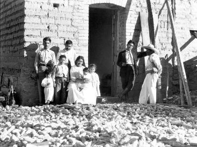 Family with Corn, State of Veracruz, Mexico, 1927-Tina Modotti-Photographic Print
