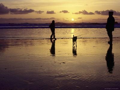 Family with Dog at Sunset, Cape Sebastian, OR-Jim Corwin-Photographic Print