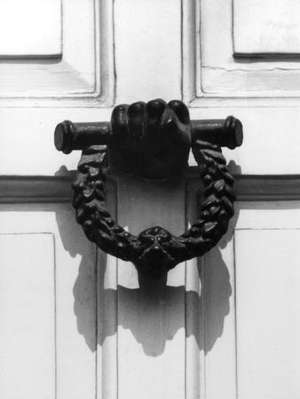 https://imgc.artprintimages.com/img/print/famous-door-knocker_u-l-q107jli0.jpg?p=0