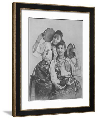 Farbianu Sisters--Framed Photographic Print