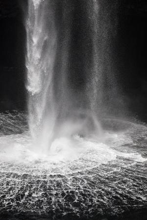 https://imgc.artprintimages.com/img/print/faroes-vagar-gasadalur-waterfall_u-l-q1eye7b0.jpg?p=0