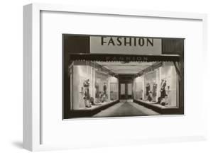 Fashion, Manikins in Windows