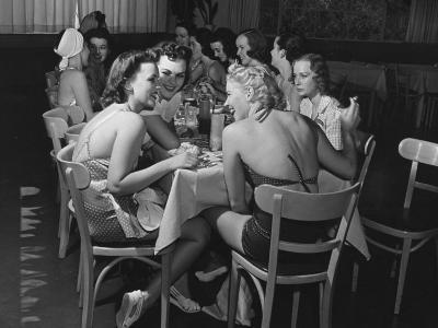 Fashion Models Taking Their Lunch Break at the Racquet Club Cafe-Peter Stackpole-Photographic Print