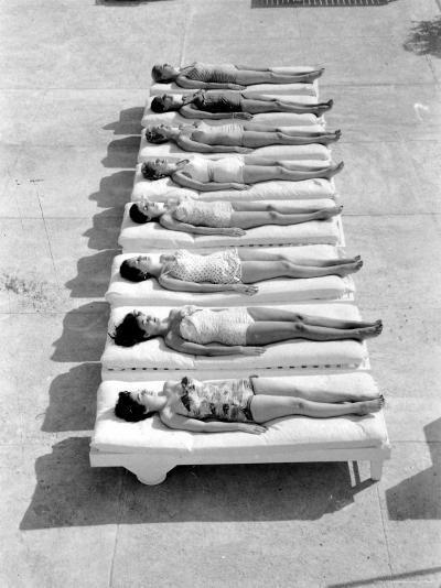 Fashion Models Wearing Swimsuits at a Florida Pool-Lisa Larsen-Photographic Print