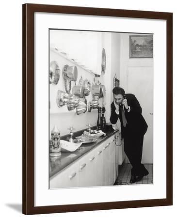 Federico Fellini-Angelo Cozzi-Framed Photographic Print