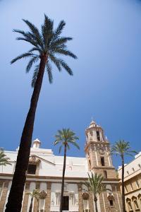 Building in Cadiz in Spain by Felipe Rodriguez