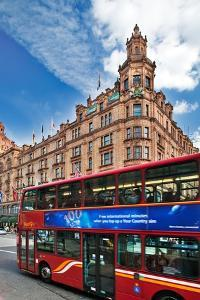 Harrods Building with London Bus by Felipe Rodriguez