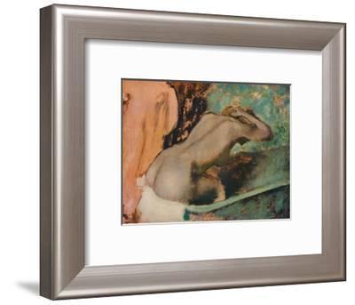 Femme assise sur le bord d'une baignoire et s'epongeant le cou, c1880, (1936)-Edgar Degas-Framed Giclee Print