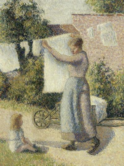 Femme étendant du linge-Camille Pissarro-Giclee Print