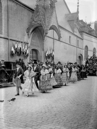 Fête du vin à Beaune. 18 octobre 1925
