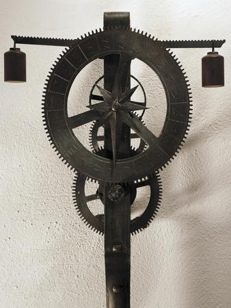 Clock with Weights Designed
