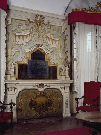 https://imgc.artprintimages.com/img/print/fireplace-in-pope-benedict-xiv-s-salon-with-gilded-stucco-tozzoni-mansion-imola-italy_u-l-poxbd10.jpg?p=0