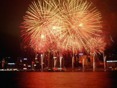 https://imgc.artprintimages.com/img/print/fireworks-display-over-victoria-harbour-for-chinese-new-year-hong-kong_u-l-p3tlbv0.jpg?p=0