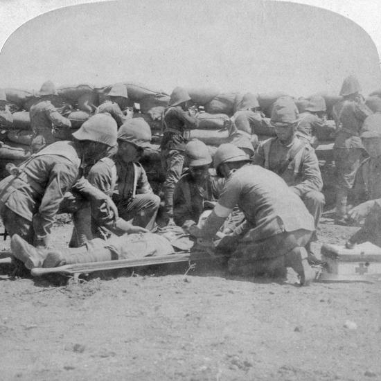 First Aid to a Wounded Fusilier, Honey Nest Kloof Battle, Boer War, South Africa, February 1900-Underwood & Underwood-Giclee Print