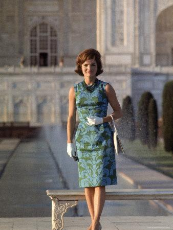https://imgc.artprintimages.com/img/print/first-lady-jackie-kennedy-standing-on-the-grounds-of-the-taj-mahal-during-visit-to-india_u-l-p47li70.jpg?p=0