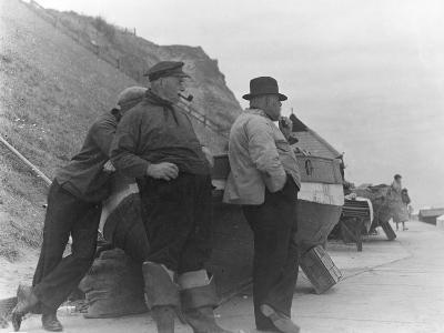Fishermen at Overstrand-Staniland Pugh-Photographic Print