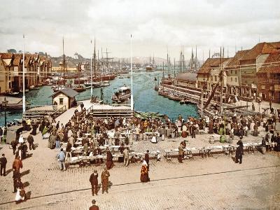 Fisketorget, Bergen, Pub. C.1900--Giclee Print