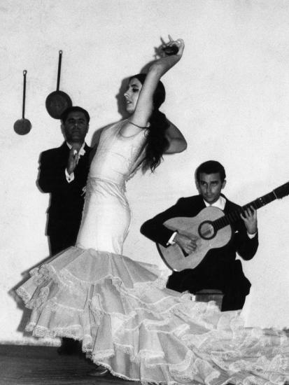 Flamenco Dancer--Photographic Print