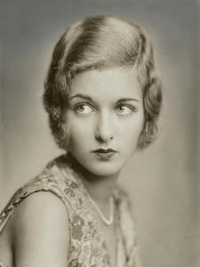 Vanity Fair - May 1930 by Florence Vandamm