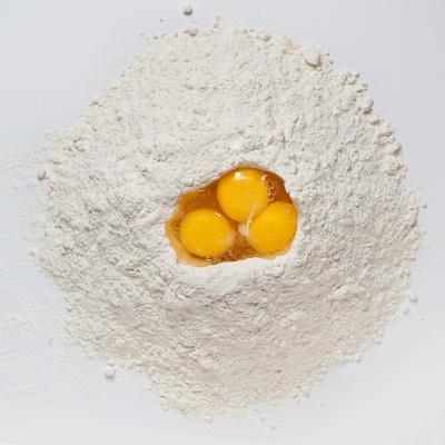 https://imgc.artprintimages.com/img/print/flour-and-eggs_u-l-q1bekk50.jpg?p=0