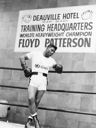 Floyd Patterson-Moneta Sleet Jr.-Photographic Print