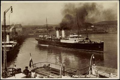 Folkestone, Boulogne Steamer Leaving Harbour--Giclee Print