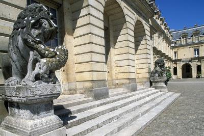 Fontana Court, Palace of Fontainebleau--Photographic Print