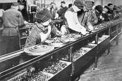 Ford Motor Company Assembly Line, Detroit, C.1917--Photographic Print