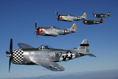 https://imgc.artprintimages.com/img/print/formation-of-p-47-thunderbolts-flying-over-chino-california_u-l-pu1r6s0.jpg?p=0