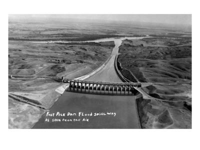 https://imgc.artprintimages.com/img/print/fort-peck-montana-aerial-view-of-dam-and-spillway_u-l-q1gp3ch0.jpg?p=0