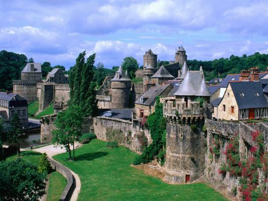 Fortified Walls of Stone, Chateau at Fougeres, Fougeres, France-John Elk III-Photographic Print