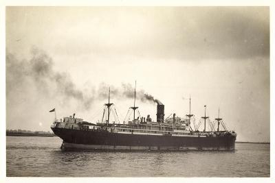 Foto Clan Line, Clan Urquhart, Steamer En Route--Giclee Print
