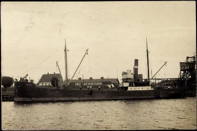 Foto Dampfer in Einem Hafen, Köge Traevarefabrik--Giclee Print
